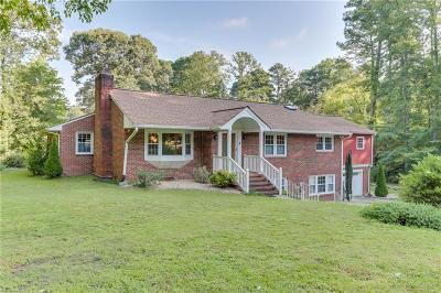 Newport News Single Family Home For Sale: 97 Normandy Ln