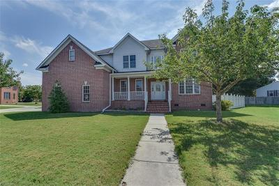 Chesapeake Single Family Home For Sale: 701 Great Marsh Ave