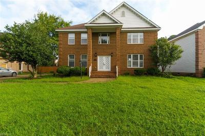 Virginia Beach Single Family Home For Sale: 4616 Church Point Pl