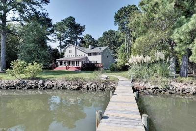 Suffolk, York County Single Family Home For Sale: 109 Cheadle Point Rd