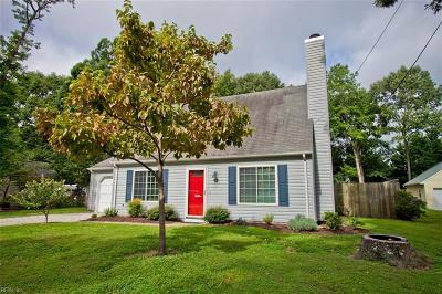 York County Single Family Home Under Contract: 104 Trivalon Ct