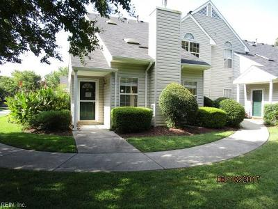 Newport News Single Family Home For Sale: 258 Nantucket Pl #28