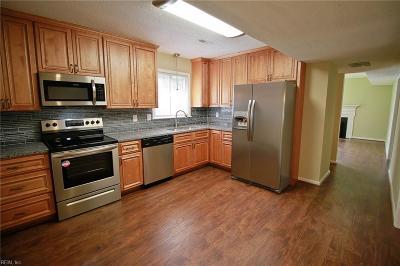 Newport News Single Family Home New Listing: 404 Lanyard Rd
