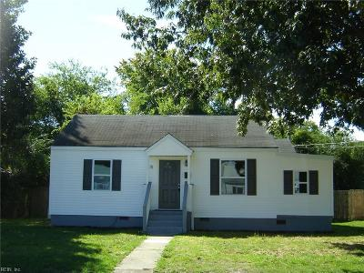 Hampton Single Family Home New Listing: 18 Lucas Dr