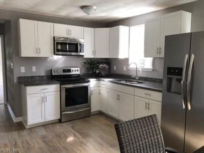Suffolk Single Family Home New Listing: 912 Lincoln Ave