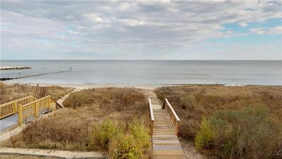 Hampton Single Family Home For Sale: 72 Bay Front Pl