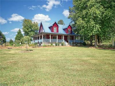 Suffolk Single Family Home For Sale: 2349 Box Elder Rd
