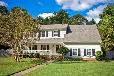 Poquoson Single Family Home Under Contract: 12 Oakmoore Dr