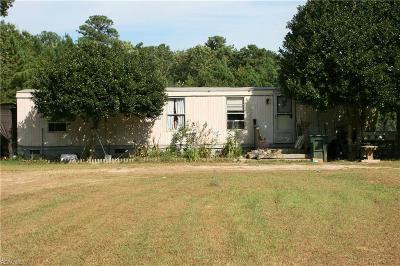 Gloucester Single Family Home For Sale: 10747 Hornets Nest Rd