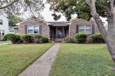 Portsmouth Single Family Home For Sale: 505 Sussex Dr