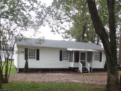Isle of Wight County Single Family Home For Sale: 327 Pocahontas Ave