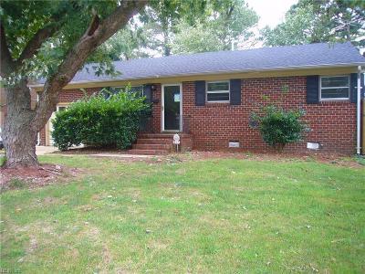 Hampton Single Family Home For Sale: 215 Martha Lee Dr