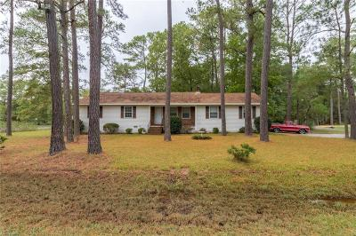 Poquoson Single Family Home For Sale: 1 Timber Ln