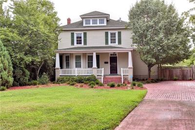 Hampton Single Family Home For Sale: 538 River St