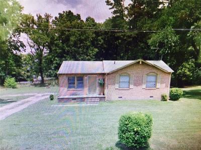 Isle of Wight County Single Family Home For Sale: 1071 Johnson Cir