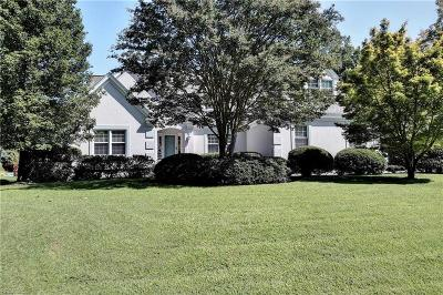 Newport News Single Family Home For Sale: 167 Point Heron Dr