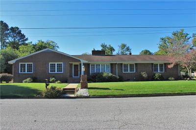Poquoson Single Family Home For Sale: 4 Westover Dr