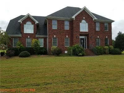 Suffolk Single Family Home For Sale: 203 Eagles Nest Trce