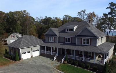 Isle of Wight County Single Family Home For Sale: 215 River Oaks Ln