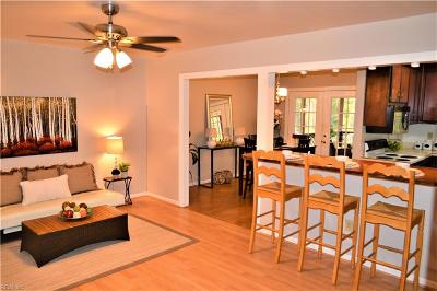 Poquoson Single Family Home For Sale: 90 Lodge Rd #G