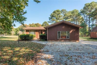 Poquoson Single Family Home For Sale: 8 Gay Lynn Dr