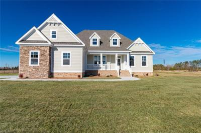 Chesapeake Single Family Home For Sale: 826 Majestic Ct
