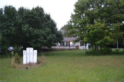Suffolk Single Family Home For Sale: 5112 Quaker Dr