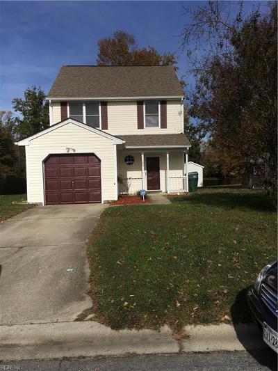 Suffolk Single Family Home For Sale: 180 Kristen Ln