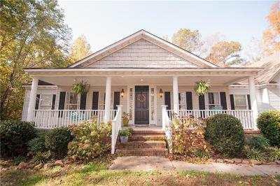 Suffolk Single Family Home For Sale: 821 Lake Kilby Rd