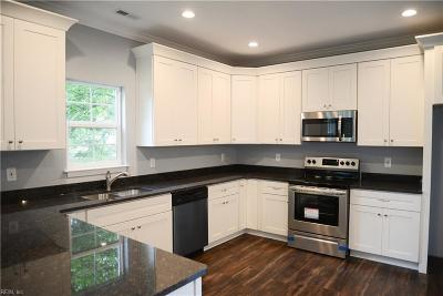 Hampton Single Family Home For Sale: 10 Taylor Ave W