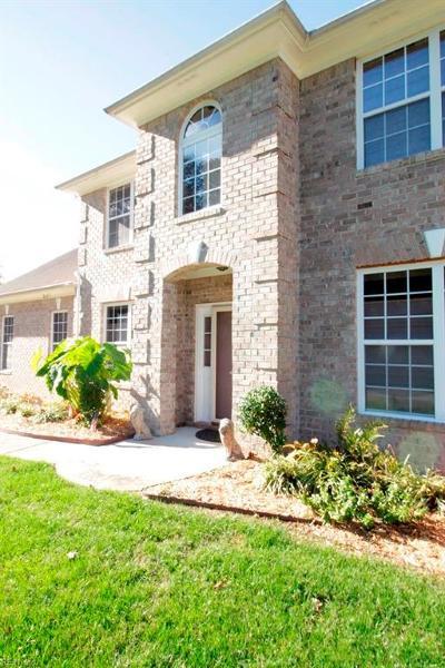 Virginia Beach Single Family Home For Sale: 2617 Highland Meadows Way