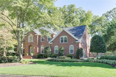 Virginia Beach Single Family Home New Listing: 816 Bishopsgate Ln