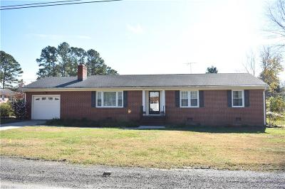 Suffolk Single Family Home Under Contract: 121 Ridgecrest Dr