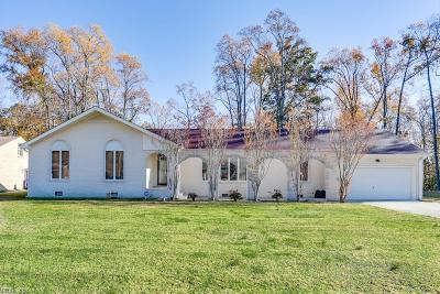 Suffolk Single Family Home For Sale: 5812 Bernhowe Manor Ln