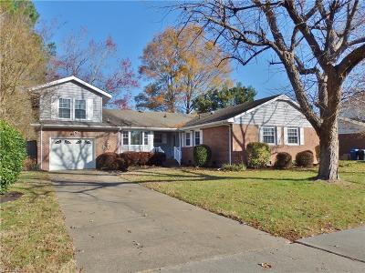 Virginia Beach Single Family Home For Sale: 2272 Trant Lake Dr