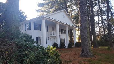 Portsmouth Single Family Home For Sale: 8 Lynn Dr