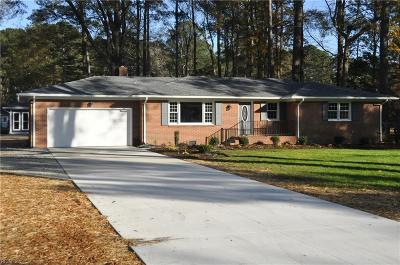 Chesapeake Single Family Home For Sale: 221 Mann Dr