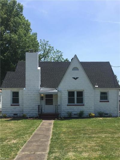 Chesapeake Single Family Home New Listing: 1705 Chesapeake Dr