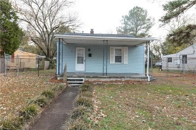 Portsmouth Single Family Home New Listing: 52 Pollux Cir W