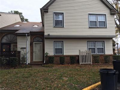 Chesapeake Single Family Home New Listing: 924 Saint Andrews Rch #B