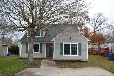 Suffolk Single Family Home New Listing: 100 Hopemont Ln