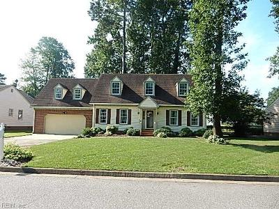 Chesapeake Single Family Home New Listing: 825 Donnington Dr