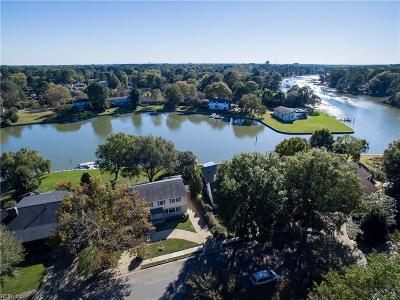 Hampton Single Family Home For Sale: 534 Elizabeth Lake Dr