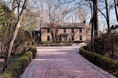 York County Single Family Home Under Contract: 171 W Queens Dr