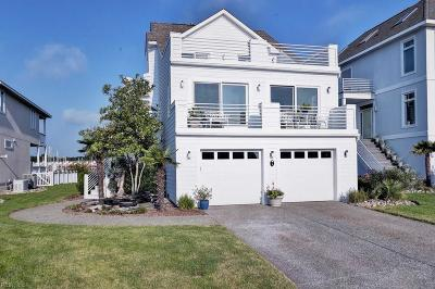 Hampton Single Family Home For Sale: 9 Bay Front Pl