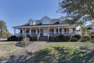 Chesapeake Single Family Home For Sale: 745 Mandarin Ln