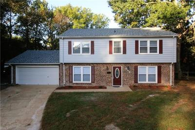 Hampton Single Family Home For Sale: 1 Admiral Ct