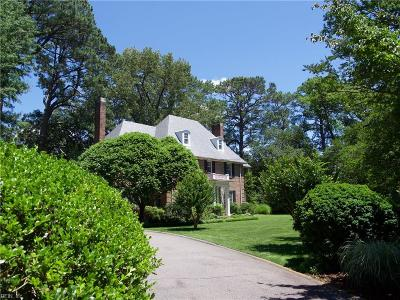 Norfolk Single Family Home For Sale: 1020 North Shore Rd