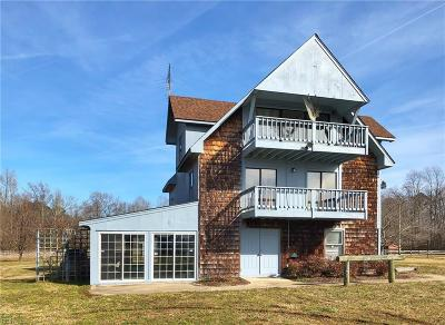 Suffolk Single Family Home For Sale: 832 Copeland Rd