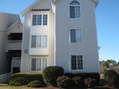 Hampton Single Family Home For Sale: 227 Dockside Dr #A